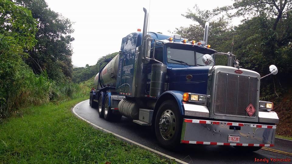 Peterbilt_Truck-18