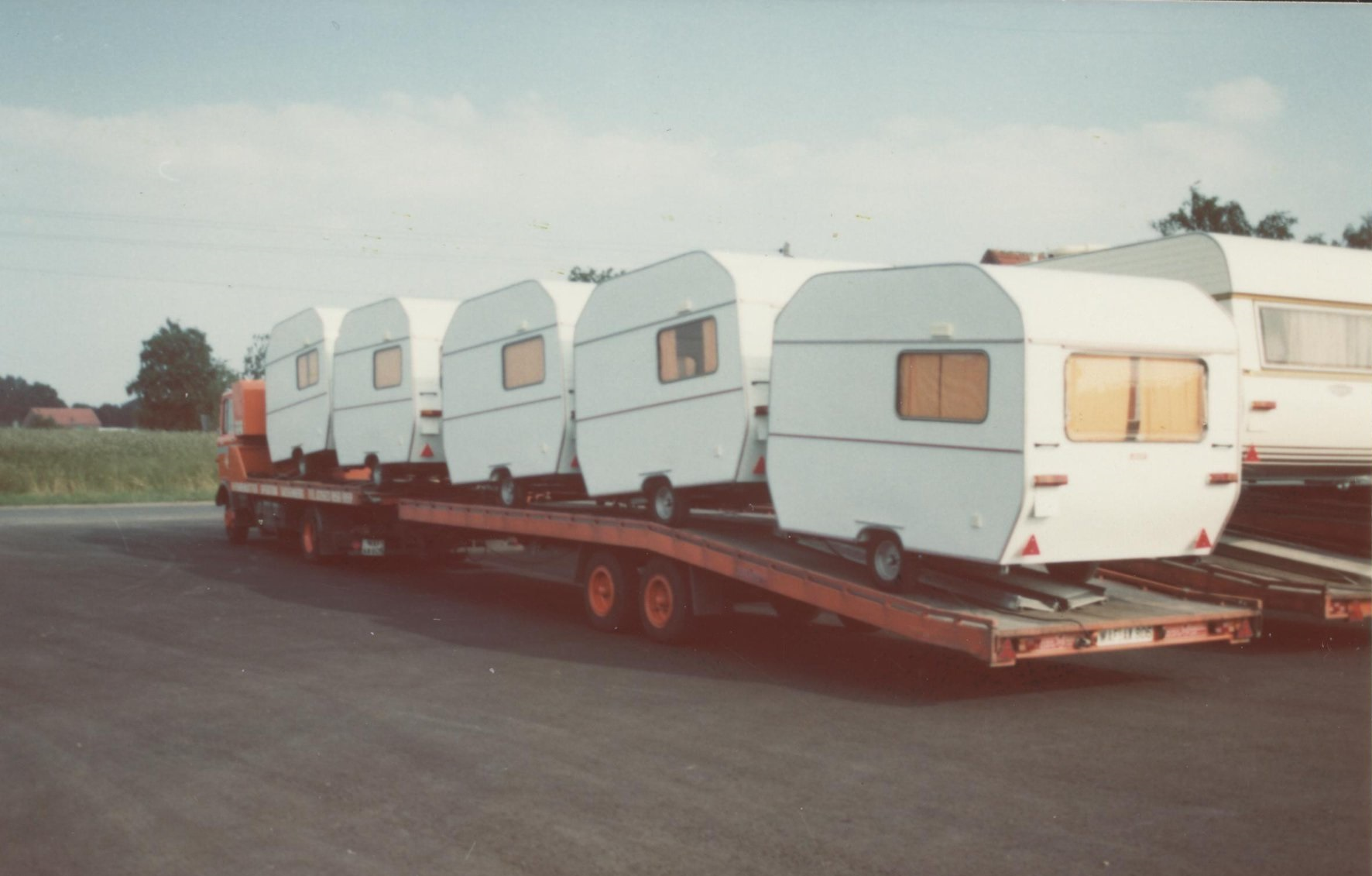 Car--Caravan-Transport-5
