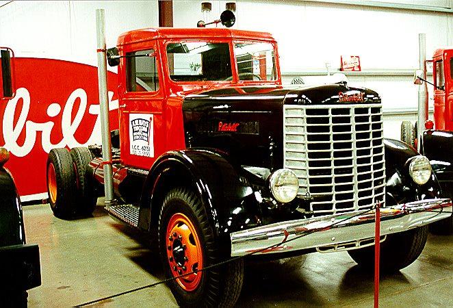 Peterbilt-1940-3