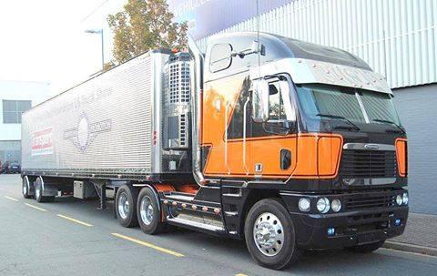 Freightliner-2