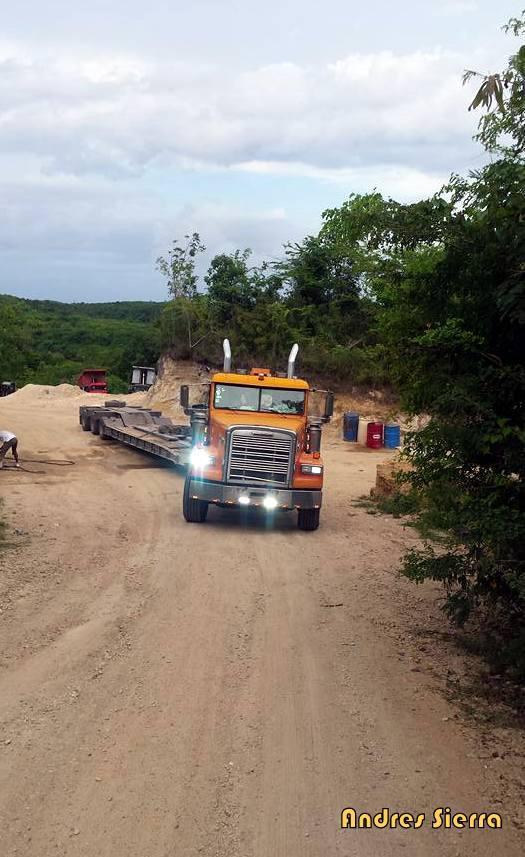 Freightliner_Truck-2