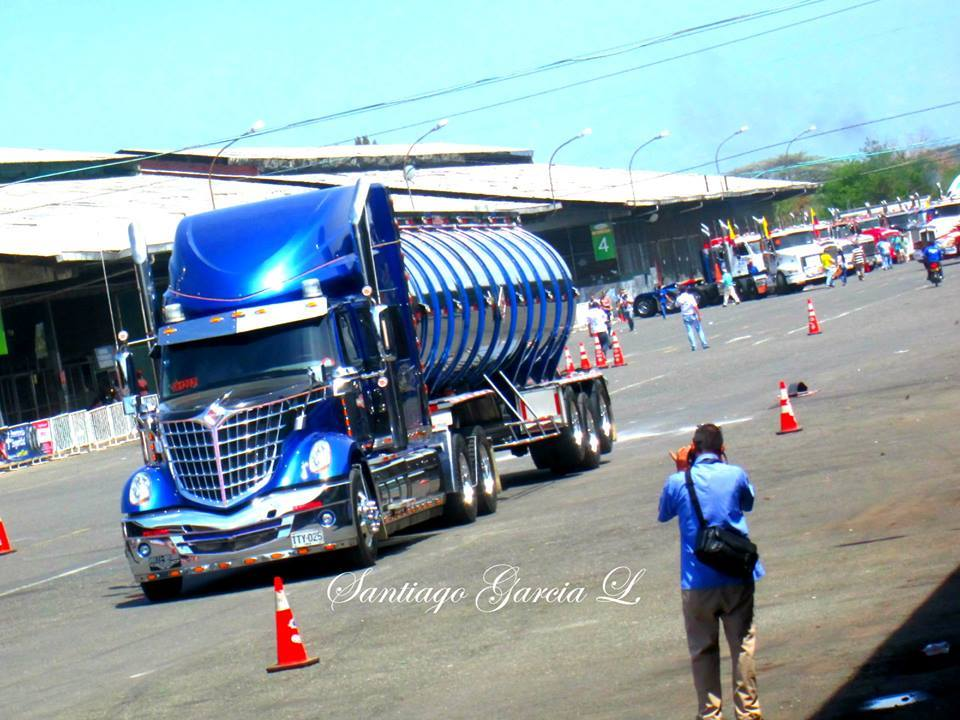 International-Camion-1