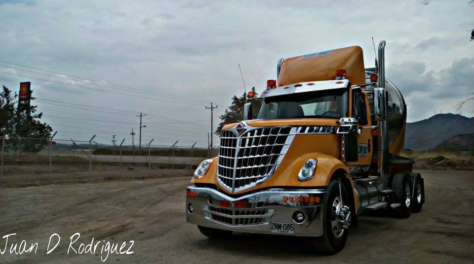 International-Camion-10