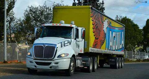 International-Camion-17