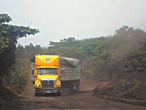 International-Camion-23