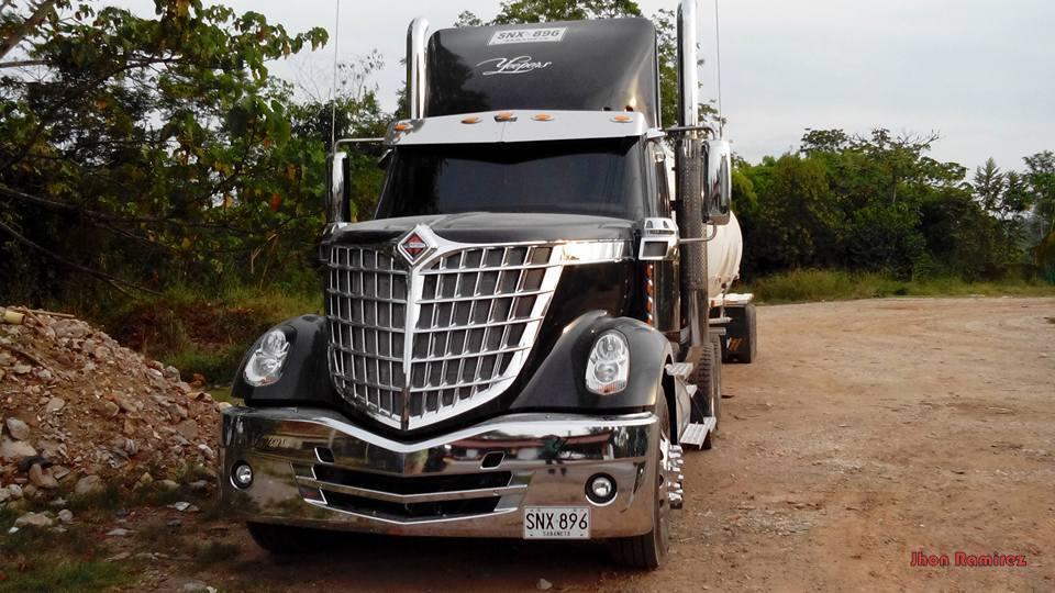 International-Camion-24