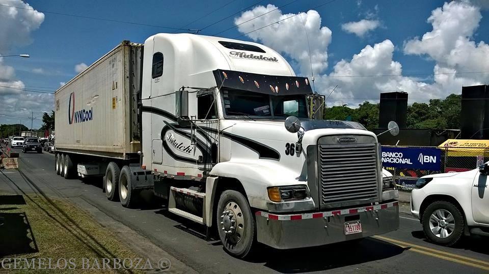 Freightliner-10