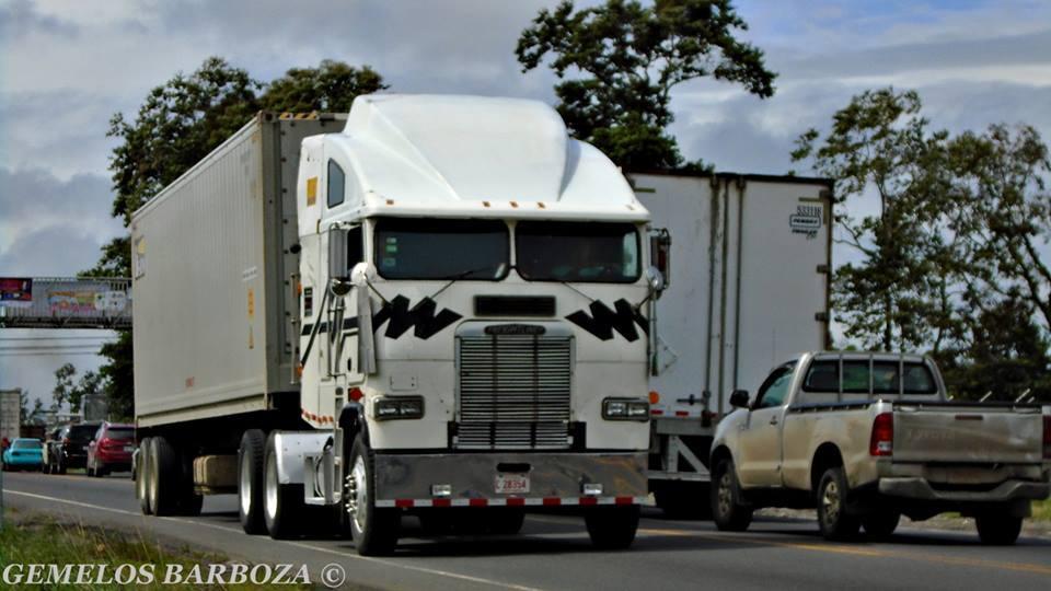Freightliner-25