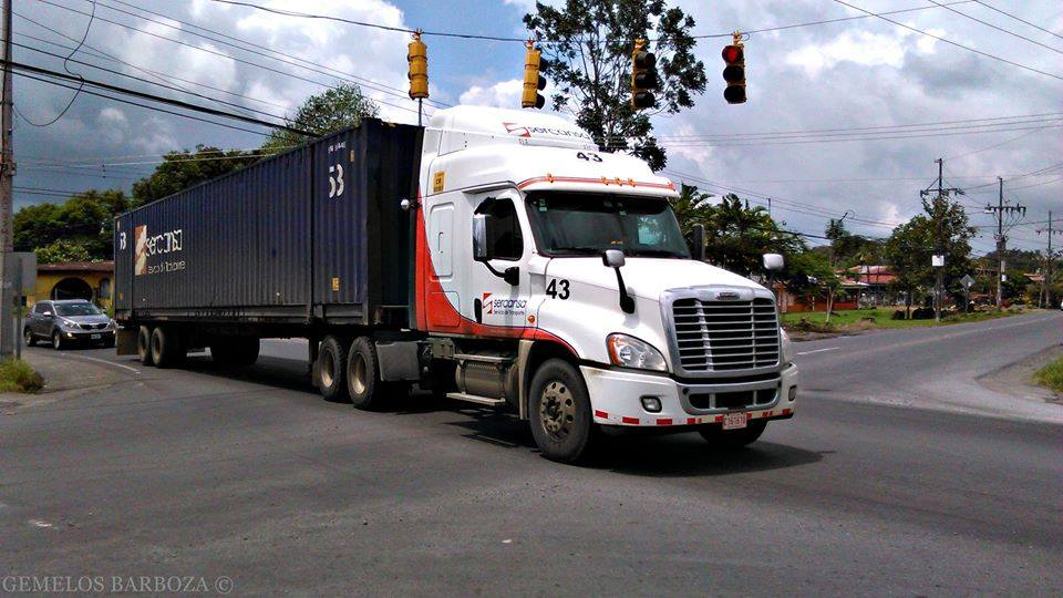 Freightliner-8