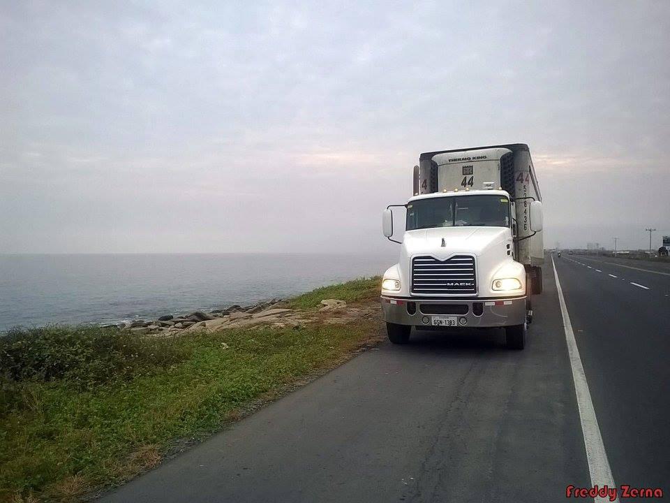Mack-Camion-3