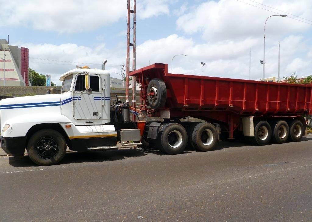 Freightliner-_Camion-1