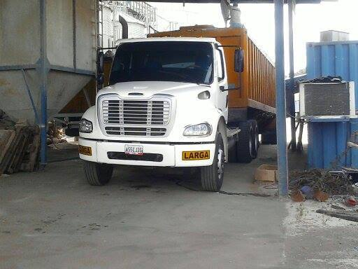 Freightliner-_Camion-11