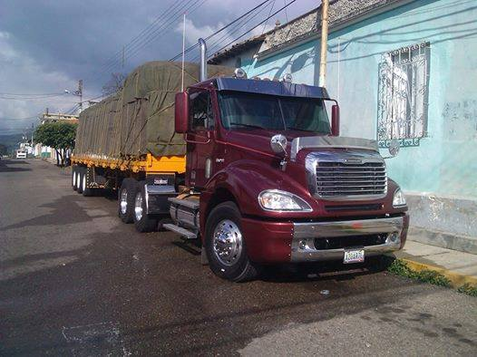 Freightliner-_Camion-12