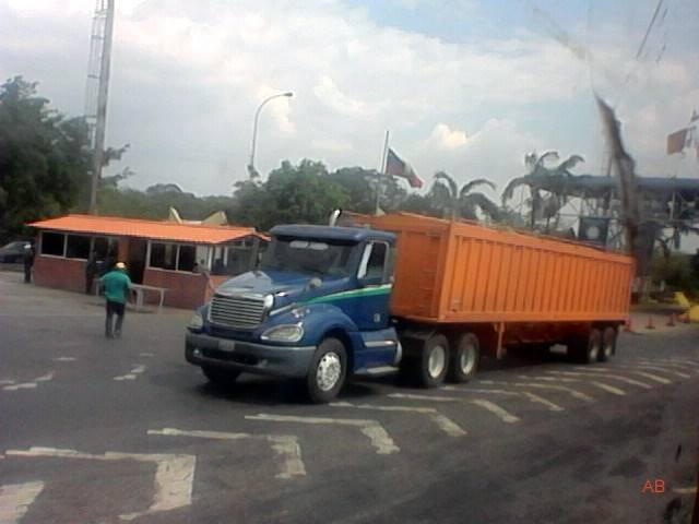 Freightliner-_Camion-16
