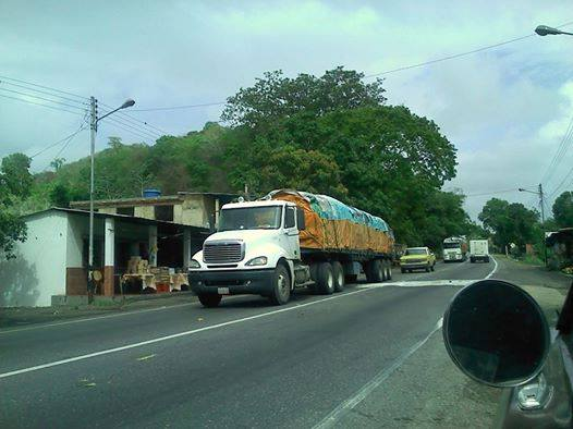 Freightliner-_Camion-17