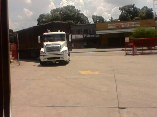 Freightliner-_Camion-2
