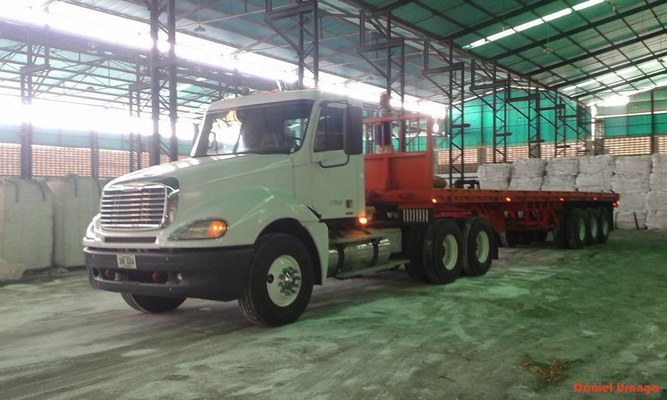 Freightliner-_Camion-20
