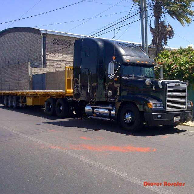 Freightliner-_Camion-21