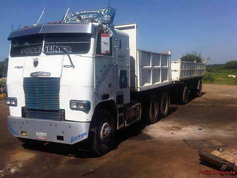 Freightliner-_Camion-22