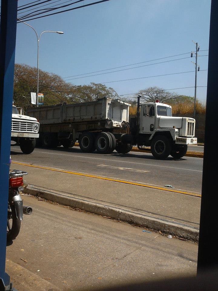 International--_-Camion-9