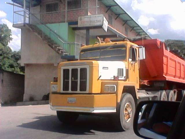 International--_-Camion-15