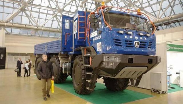 KAMAZ-Arctica-6x6-Articulated-Monster-Arctic-Truc