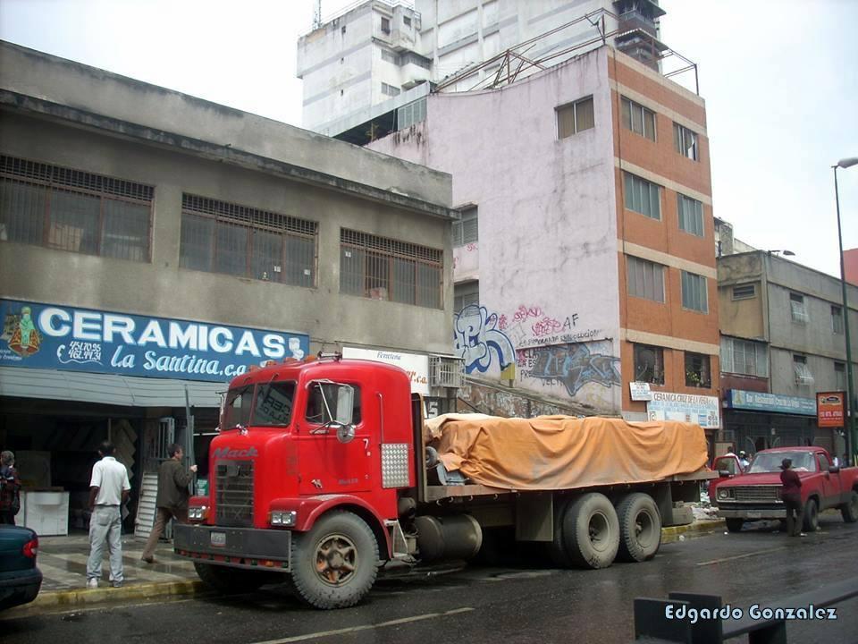 Mack_Camion-1