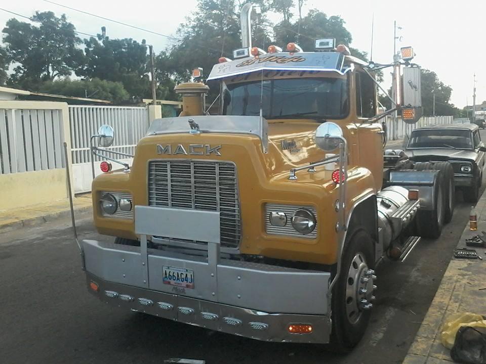 Mack_Camion-22