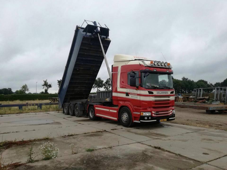 Scania--kipper