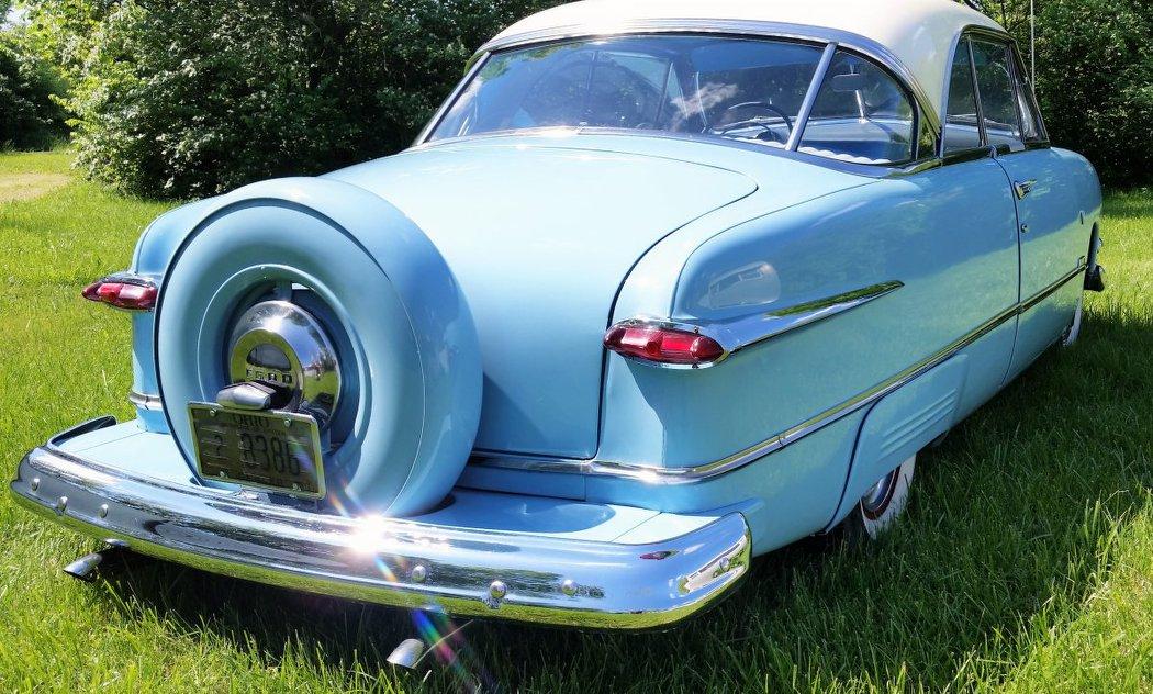 Bleu---Larry-Nichols-9