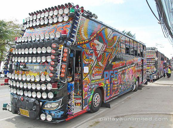 thai-coach-Nissan
