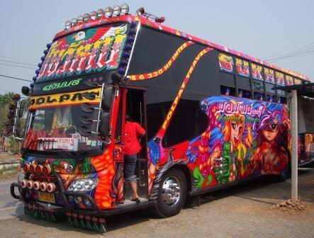 thai-tour-bus