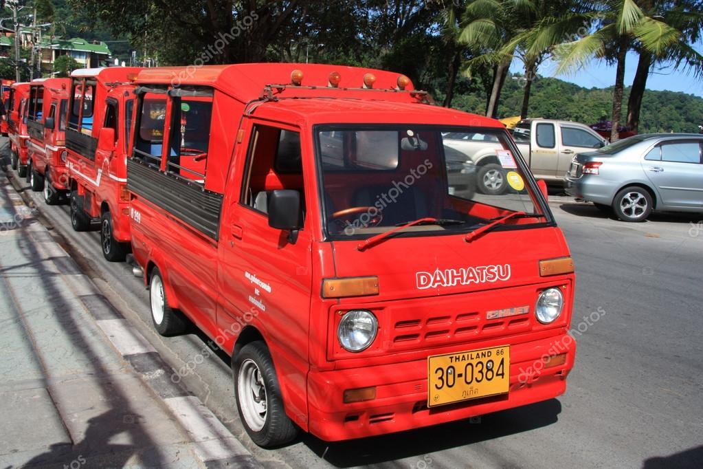tuk-tuk-taxi-in-phuket