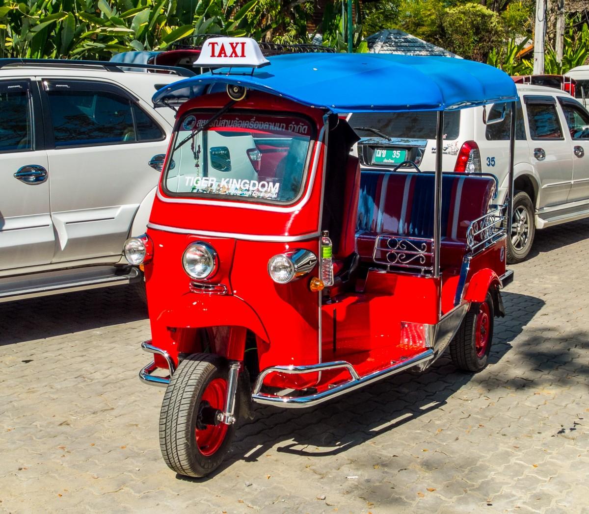 tuk_tuk_taxi_thailand