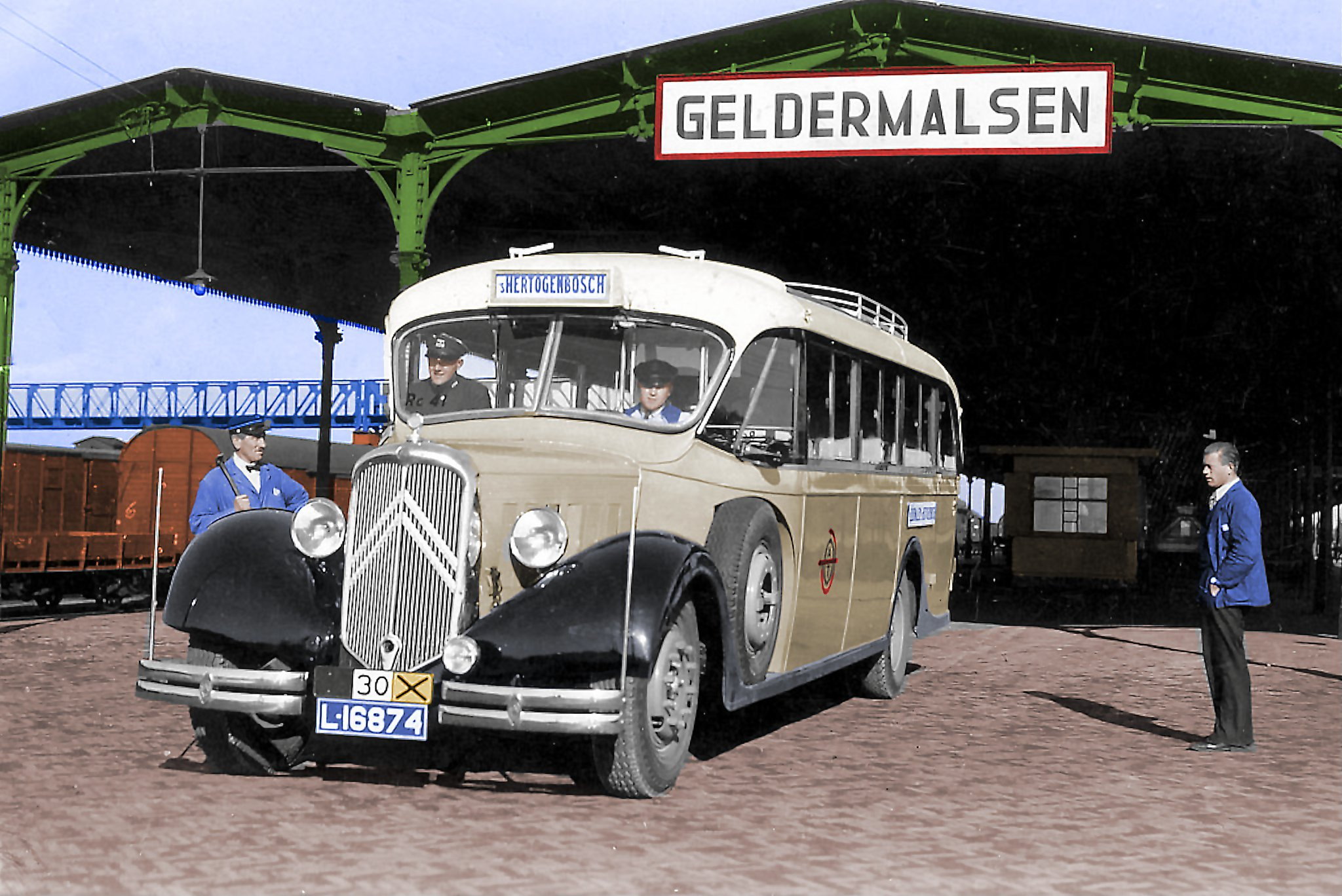 Citroen-T29-6-Cyl--ATO-bus-van-omstreeks-1935