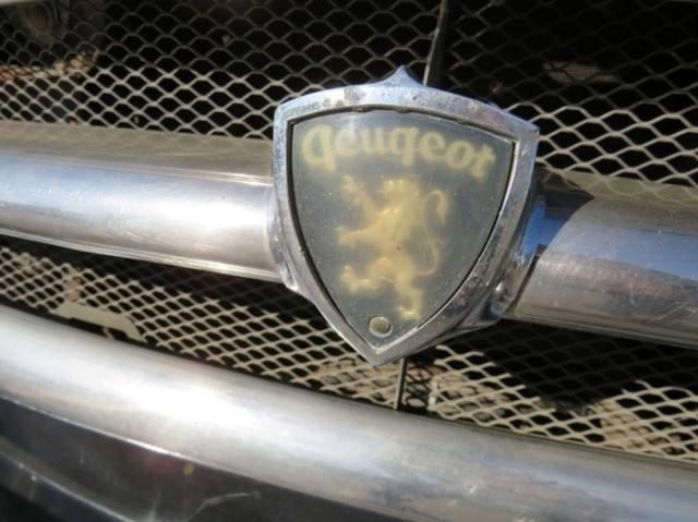 Peugeot-403-break-familiale--R4-cyl-1468-cm3-58-ch-annee-1960-76-933-km--etat-d-origine-1