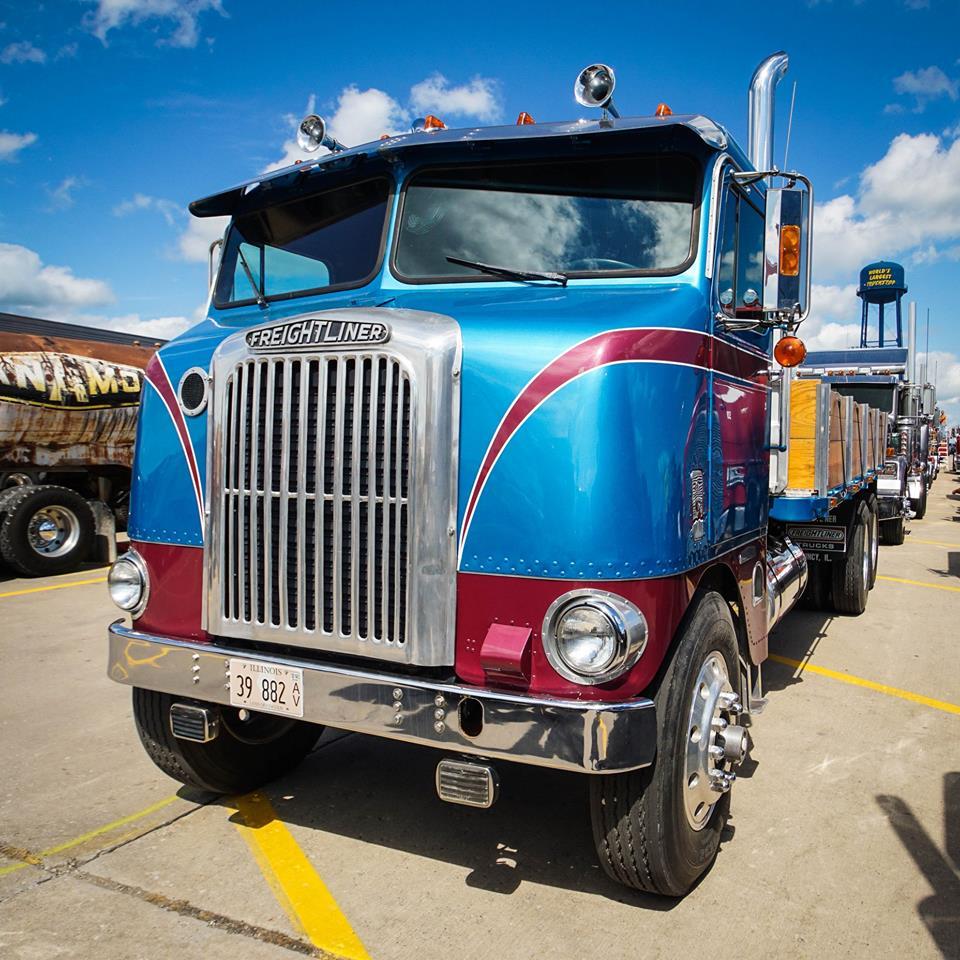 Freightliner-2017-Paul-V-Following