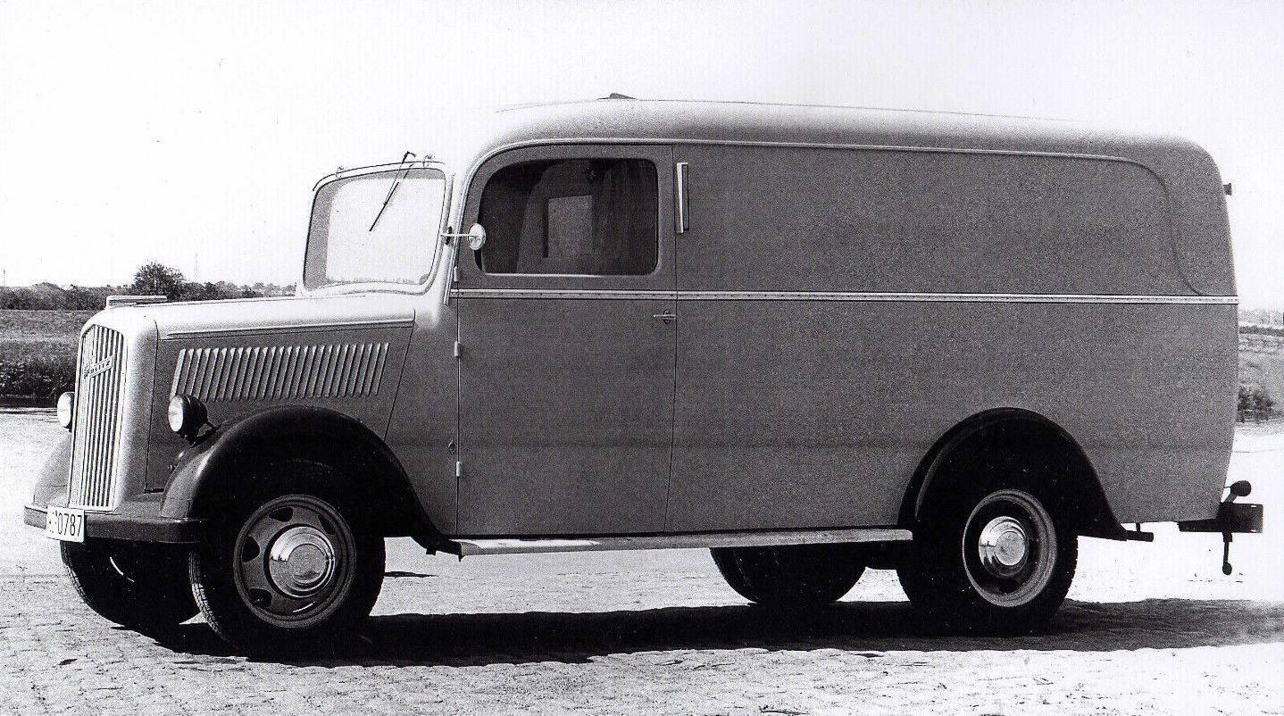 Opel-Blitz-1953-mit-Miesen-Aufbau