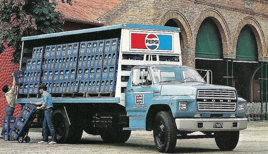 Ford-F-600-1983-Argentina