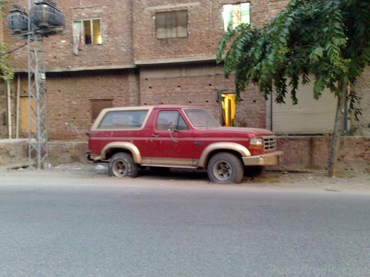 Ford-Bronco-Pakistan-Radji-Benabdallah