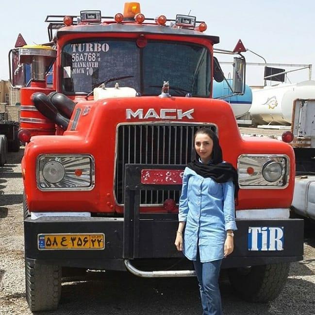 Mack_Iran-met-chauffeusse