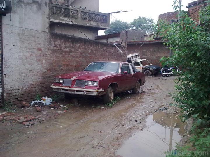 Oldsmobile_Pakistan