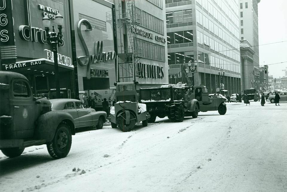 Scoopmobile-clearing-snow-in-Portland--1952