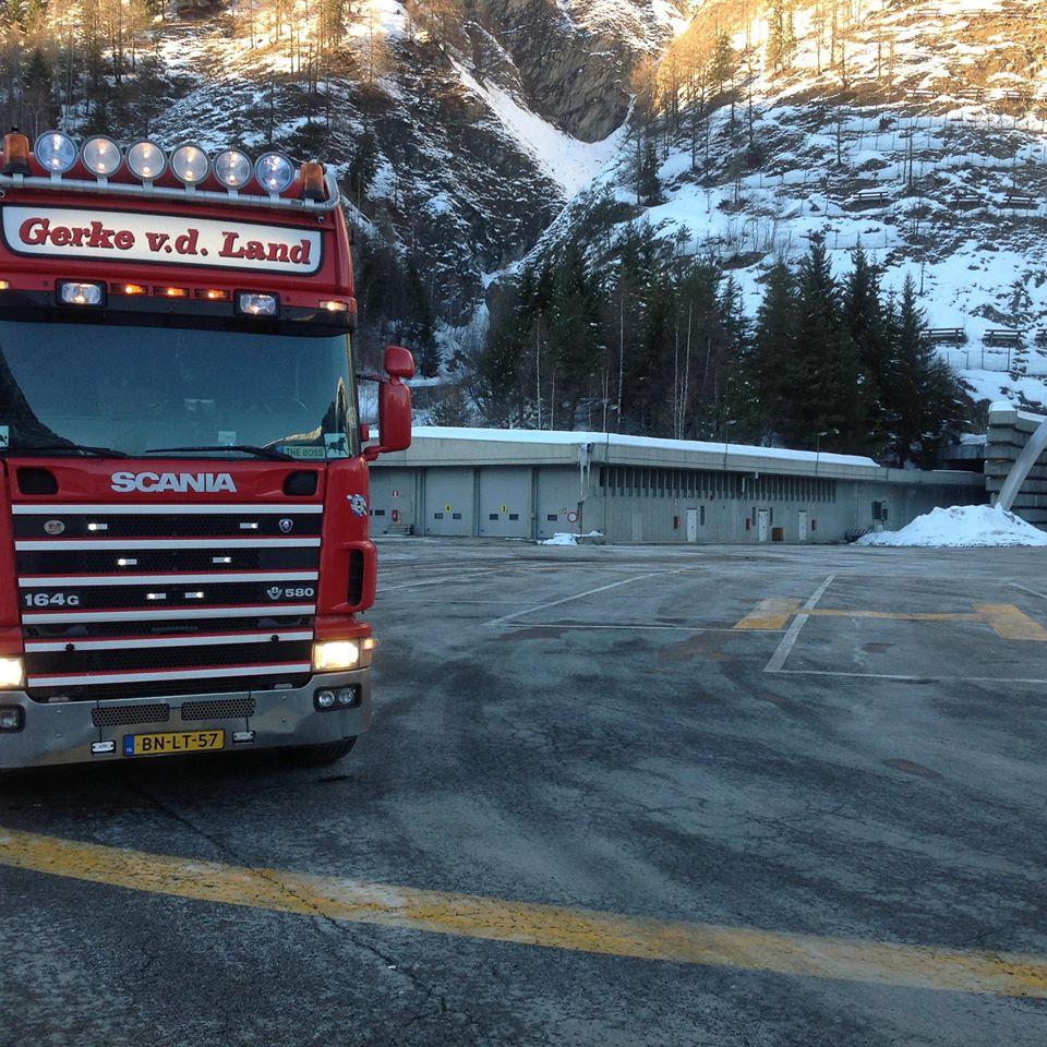 Scania-V8-3-sept-2013