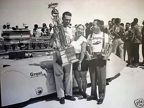 Bill-Kenz-receiving-one-of-his-many-top-speed-trophies-at-Bonneville