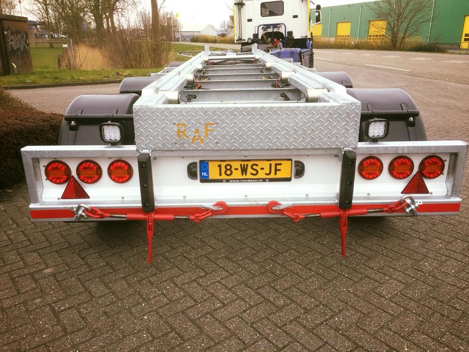 Voor-De-Vlas-Transport-uit-Harlingen-produceerden-wij-deze-3-assige-RAF--Container-aanhangwagen-2