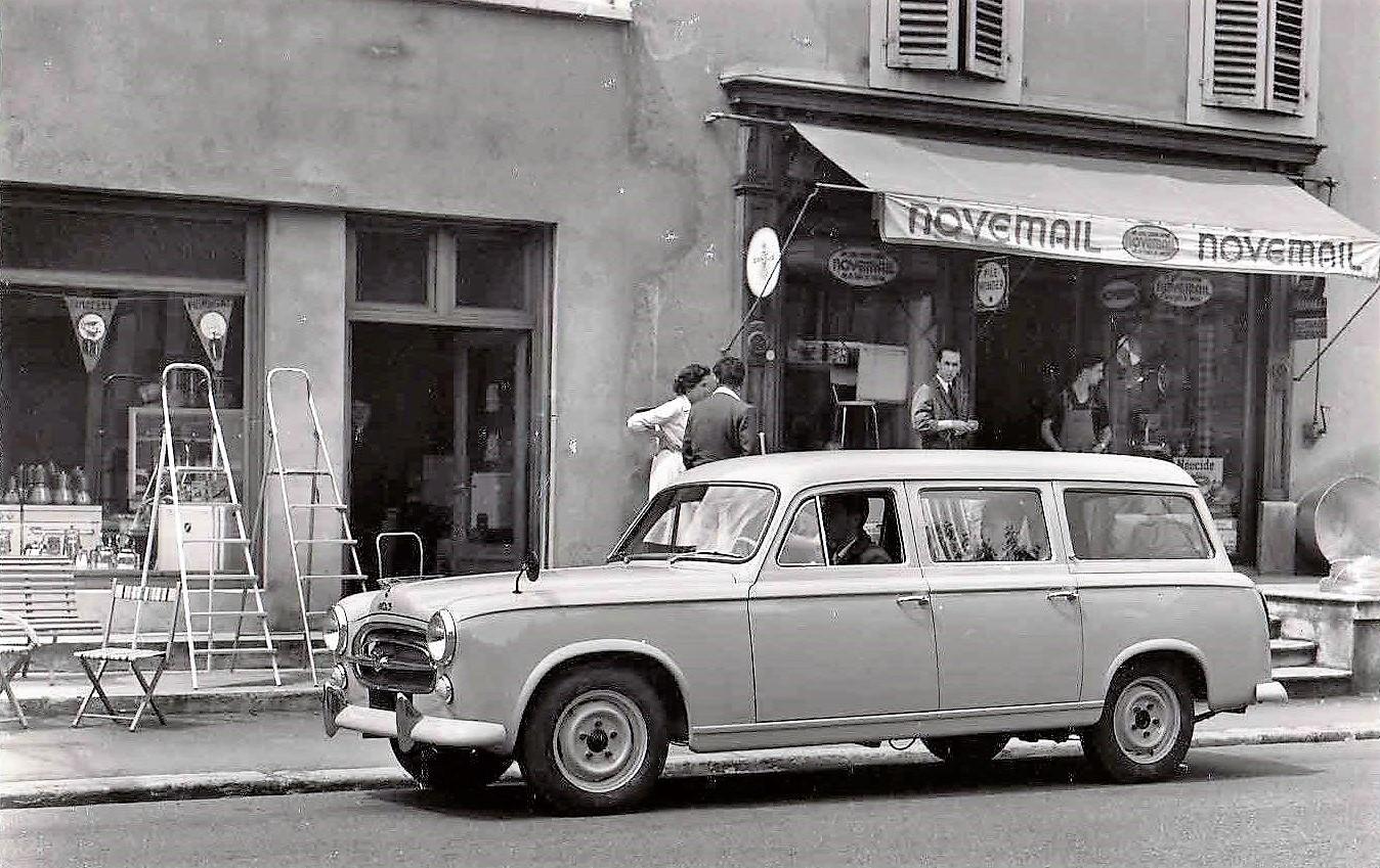 1961-Peugeot-403-U5-Comercial
