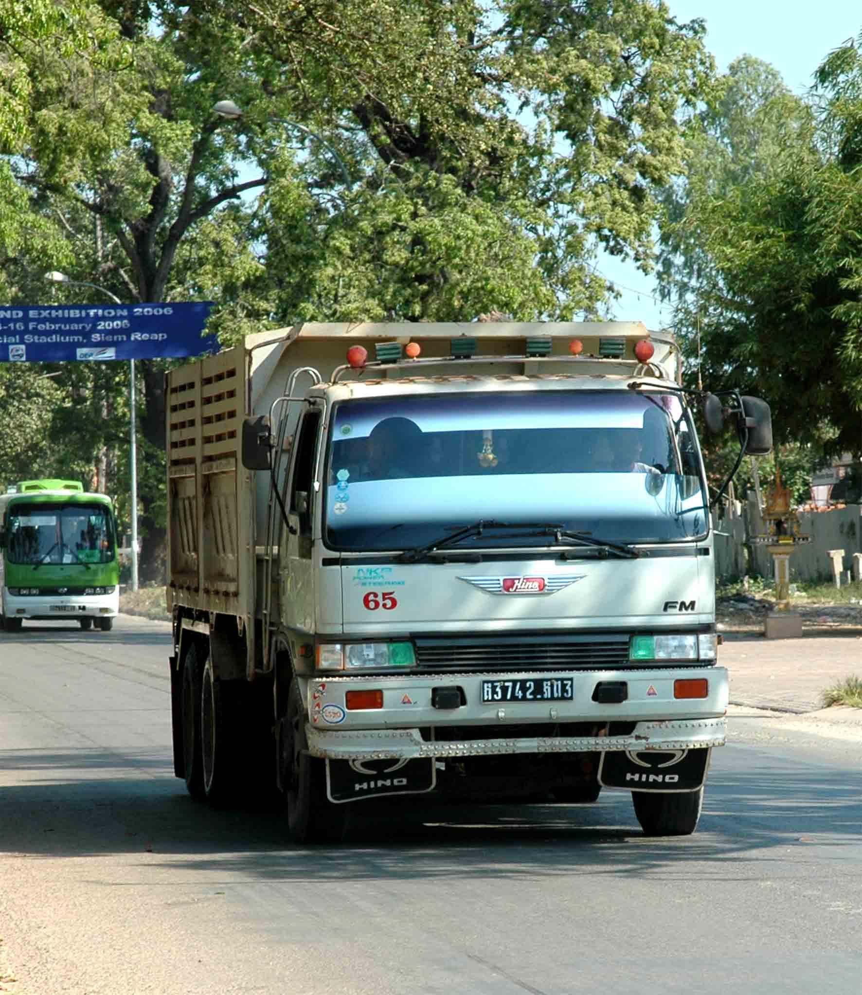 Hino-Cambodja-1