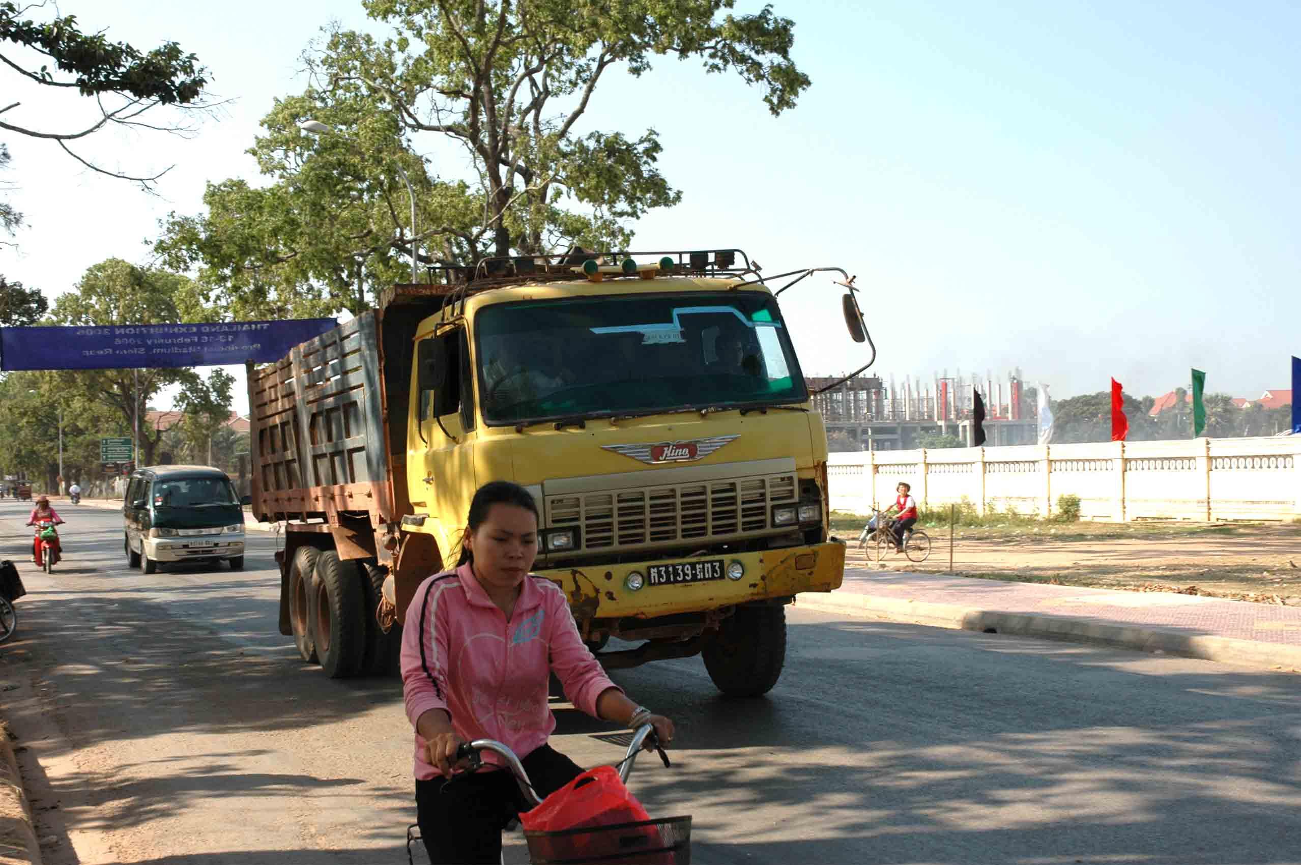 Hino-Cambodja-2