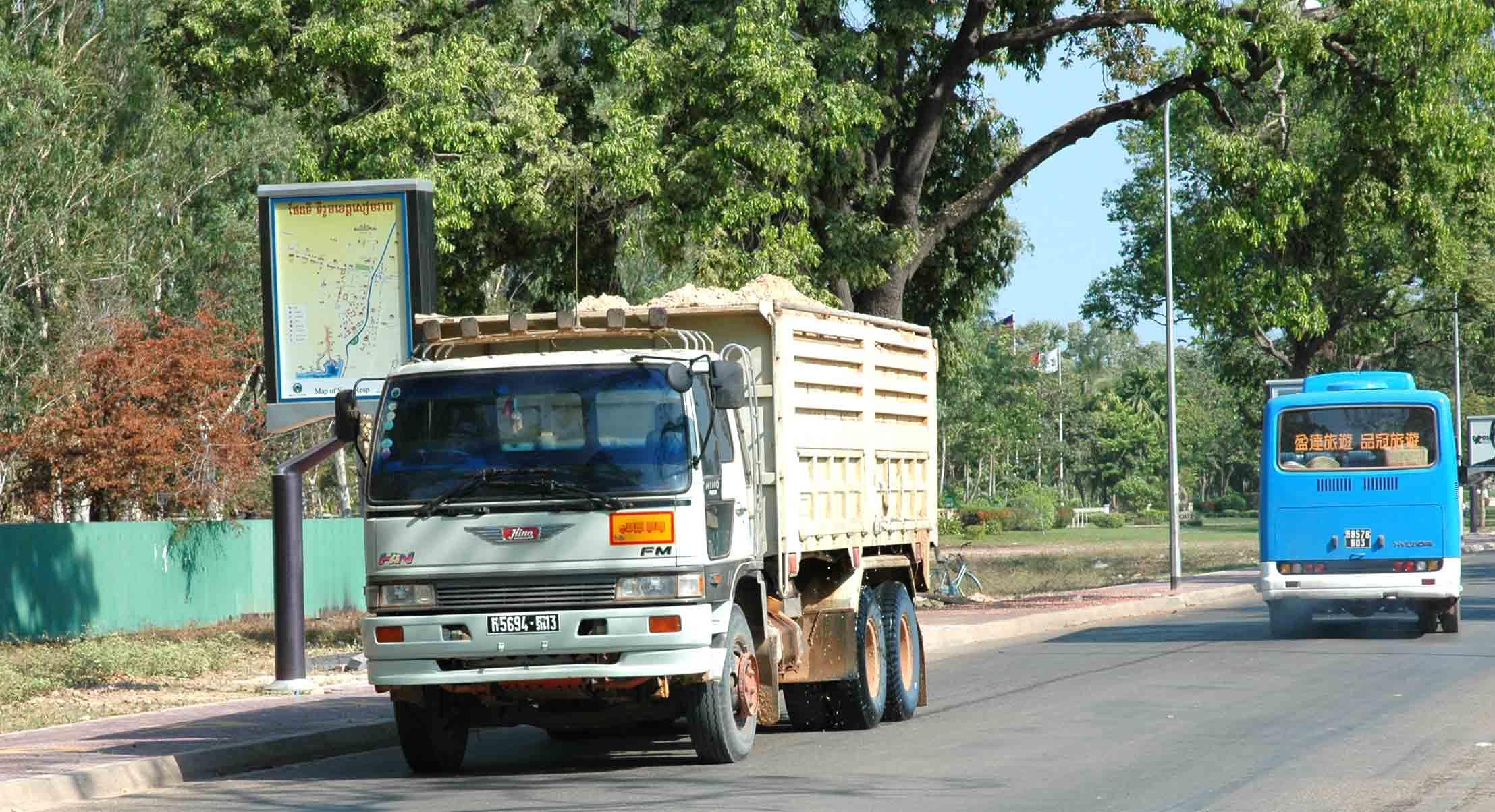 Hino-Cambodja-3